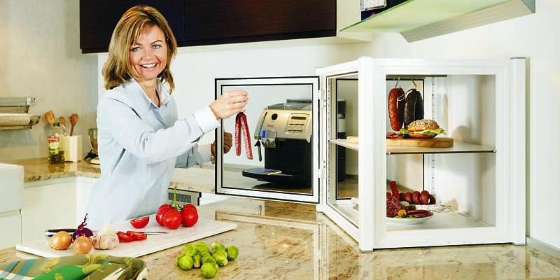 """Lebensmittelschrank """"Flyless Mini"""" in der Küche"""